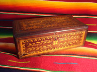Mexican vintage wood-carving, a marquetry box with beautiful inlaid wood designs from Oaxaca, c. 1890. Main photo.