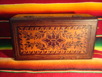Mexican vintage wood-carving, a marquetry box with beautiful inlaid wood designs from Oaxaca, c. 1890. Photo of the top of the box.