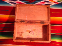 Mexican vintage wood-carving, a marquetry box with beautiful inlaid wood designs from Oaxaca, c. 1890. Photo showing the inside of the box.