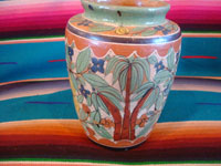 Mexican vintage pottery and ceramics, a lovely petatillo vase, with beautiful hand-painted decorations, Tonala or San Pedro Tlaquepaque, Jalisco, c. 1930's. A photo of the second side of the Tonala petatillo vase.
