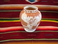 Mexican vintage pottery and ceramics, a pottery vase with lovely background glazing in two colors, and with very beautiful hand-painted scenes, attributed to the famous Jimenez family, Oaxaca, c. 1930's. Another shot of the Jimenez family vase.