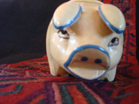 Mexican vintage folk-art, and Mexican vintage pottery and ceramics, a wonderful piggy-bank with very fine artwork, Tonala or Tlaquepaque, Jalisco, c. 1940's. Photo of the face of the piggy.