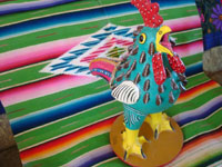 Mexican vintage folk art, and Mexican vintage pottery and ceramics, a wonderful, large rooster, signed JJRM (Juan Jose Ramos Medrano, the grandson of the very famous Candelario Medrano), Santa Cruz de las Huertas, Jalisco, c. 1960's. Another side photo of the rooster.