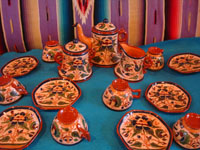 Mexican vintage pottery and ceramics, a very rare and beautiful tea-set, signed by the famous Tonala potter Magdaleno Coldivar Ramos, Tonala, c. 1920-30's. Main photo of the tea-set.
