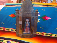 Mexican vintage devotional art, and Mexican vintage tinwork art, a lovely tinwork and glass nicho with a carved wooden image of Our Mother Mary, c. 1930's. Main photo of the nicho.