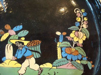 Mexican vintage pottery and folk art, a wonderful oval blackware charger with handles, Tlaquepaque, Jalisco, c. 1920-30's. This is an incredible piece of vintage Mexican pottery and a true treasure for the discerning collector! Another closeup of the central scene.