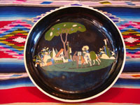 Mexican vintage pottery and ceramics, a black-ware bowl with a tri-pod base, Tlaquepaque, Jalisco, c. 1930's. The bowl has a very graceful and beautiful form, and the artwork on the bowl is very sharp and intricate. Main photo of the Tlaquepaque pottery bowl.