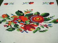 Mexican vintage sarapes and textiles, a spectacular woolen textile with stunning flowers and roses, Huatla de Jimenez, Oaxaca, c. 1940's. Another photo of the center of the Mexican textile.