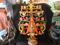 Mexican vintage folk art, and Mexican vintage pottery and ceramics, a beautiful, very large tree-of-life (arbol de la vida) by the famous Aurelio Flores, Acatlan, Puebla, c. 1950's. Main photo of the tree-of-life by Aurelio Flores.