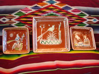 Mexican vintage pottery and ceramics, a set of three square bandera-ware bowls with very fine artwork, Tonala or Tlaquepaque, Jalisco, c. 1930-40's. Main photo of the bowls.