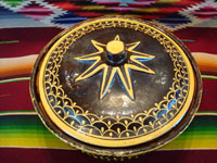 Mexican vintage pottery and ceramics, a very unique lidded casserole with a dark brown/black field and very fine decorative painting, Tlaquepaque, Jalisco, c. 1930's. View from above the lid of the casserole.