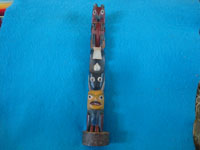 Native American Indian vintage woodcarvings and totem poles, a fine woodcarved Haida totem pole, made of cedar and with a wonderful assortment of animals, Alaska or the Queen Charlotte Islands, British Columbia, c. 1930. Main photo of the Haida totem pole.