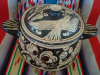 Mexican vintage pottery and ceramics, a lovely pottery lidded cassarole with fantasia-style artwork, Tonala or San Pedro Tlaquepaque, c. 1930's.  Photo looking down at the cassarole.