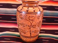 Mexican vintage pottery and ceramics, a beautiful vase with lovely floral designs, from Tlaquepaque, Jalisco, c. 1940's. Another picture of the entire Tlaquepaque pottery vase.